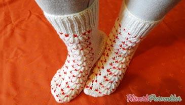 Süpürge Modeli Beş Şişle Örgü Çorap Yapılışı