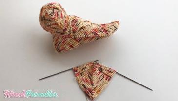 İki Şiş Bulmaca Karesi Çorap Yapılışı